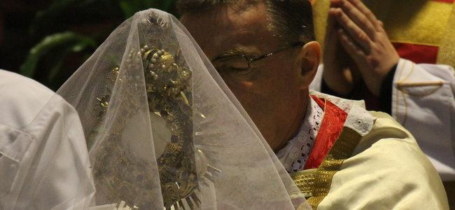 Poziv kardinala Bozanića na euharistijsko klanjanje za uspjeh Sinode