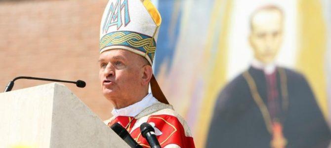 Sveti Otac Franjo prihvatio ostavku pomoćnog biskupa mons. Valentina Pozaića