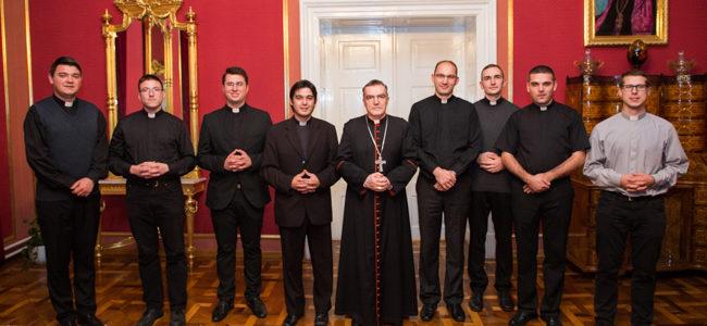 Susret kardinala Bozanića s ovogodišnjim đakonima